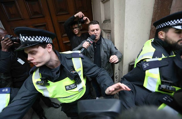 EDL-protest-March-Britain-First-London-protestors-clash-police-violence-889101