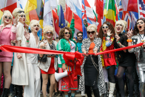 Pride_in_London_2016_-_Jennifer_Saunders_and_Joanna_Lumley_as_their_Absolutely_Fabulous_characters_about_to_cut_the_ribbon_for_the_parade