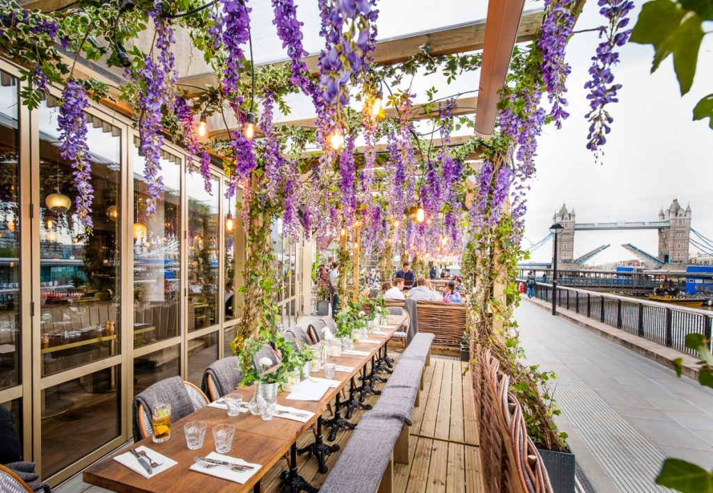 Photo Credit: https://www.designmynight.com/london/restaurants/london-bridge/coppa-club-tower-bridge