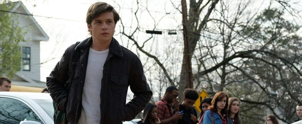 Love, Simon Review – Greg Berlanti's Gay Revision of the Rom-Com is Both Heartfelt and Heartbreaking