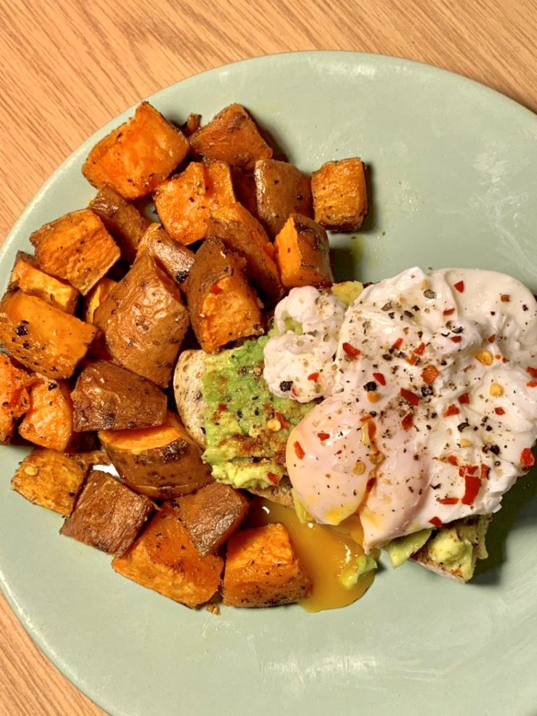 Recipe of the Week: Avo Toast with Egg and Sweet Potato
